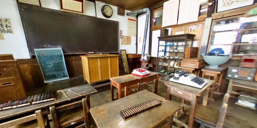 [360°パノラマ] 2階 昭和の小学校教室